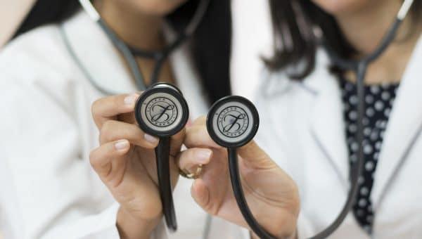 Comment choisir une complémentaire santé pour entreprise ?